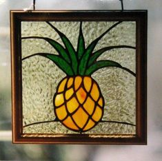 Stained Glass Pineapple Window by Liz Schaeffler Stained Glass Church, Making Stained Glass, Custom Stained Glass, Stained Glass Flowers, Faux Stained Glass, Stained Glass Designs, Stained Glass Panels, Stained Glass Projects, Stained Glass Patterns