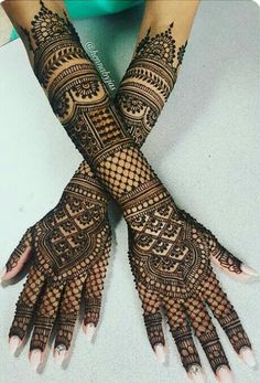 The trend of groom mehndi is taken from India. You people found unique,easy and beautiful Groom Mehndi Designs.Mehendi is enhanced the beauty of your hands. Here in this article, we are going to show different Arabic bridal mehndi designs for girls. Henna Hand Designs, Henna Tattoo Designs, Henna Tattoos, Henna Tattoo Muster, Full Mehndi Designs, Mehndi Designs Finger, Indian Henna Designs, Legs Mehndi Design, Et Tattoo