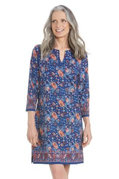 Perfect for the in-between days, this beautiful blue floral print takes the oceanside tunic dress from lunch to dinner with ease. Plus, with the UPF 50+ protection it will be your favorite travel item ever.