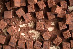 Flake Chocolate, Chocolate Truffles, Chocolate Ganache, Baking Chocolate, Chocolate Heaven, Flourless Chocolate, Chocolate Recipes, Sweet Desserts, Delicious Desserts