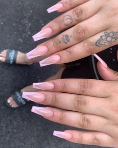 vtip coffin nails & vtip coffin nails ` vtip french nails coffin Many women prefer to attend … Nails Polish, Aycrlic Nails, Swag Nails, Pink Acrylic Nails, Acrylic Nail Designs, Acrylic Nails With Design, Pink Tip Nails, French Acrylic Nails, Long Nail Designs