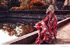 Декабрьский Elle Russia украсила красавица Хитер Маркс (Heather Marks). Фотографировал канадскую модель Сави Гордо (Xavi Gordo)