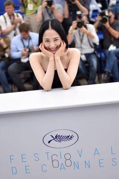 【奇跡の44歳】深津絵里は年を重ねて美しくなっている。24歳のころから振り返る Japanese Icon, Japanese Girl, Beautiful Asian Women, Asian Woman, Asian Beauty, Actresses, Actors, Female, Celebrities