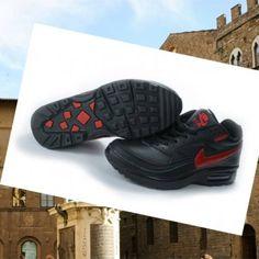 premium selection ac97e e7495 2015 permette di brillare nel nuovo Nike Air Max Classicooo BW uomo nero    rosso