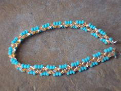 pulsera Diy Jewelry, Beaded Bracelets, Fashion, Bangle Bracelets, Moda, Fashion Styles, Pearl Bracelets, Fashion Illustrations, Seed Bead Bracelets