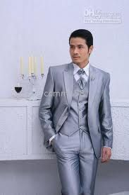 Style and dressing sense of the groom