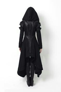 This is an article about dystopian fashion, or post-apocalyptic fashion, and the prominent dystopian designers. It's related to alternative gothic fashion. Mode Steampunk, Steampunk Fashion, Dark Fashion, Gothic Fashion, Vampire Fashion, Urban Fashion, Mode Inspiration, Design Inspiration, Fashion Inspiration