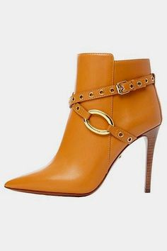 God I wish I could walk in these..... lovely