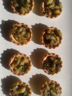 deliciosas tartaletas de berengena con cebolla caramelizada. http://elatlasdelasnubes.wordpress.com/ #Berengenas #Tartaletas #CebollaCaramelizada