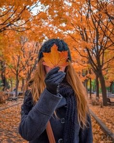 I can tell I'm gonna run out of Halloween pictures before October is over so I hope you guys don't mind me posting fall pictures too . Autumn Photography, Girl Photography, Fashion Photography, Christmas Tumblr Photography, Halloween Photography, Ideas Para Photoshoot, Photoshoot Fashion, Foto Casual, Autumn Cozy