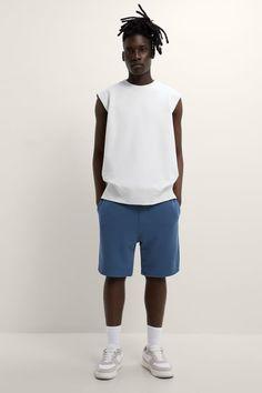 ΒΕΡΜΟΥΔΑ JOGGER OVERSIZE | ZARA Greece / Ελλαδα Jogger Shorts, Joggers, Zara, Normcore, Mens Fashion, Style, Moda Masculina, Swag, Runners