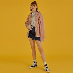 80s Girl Fashion, Denim Fashion, Cute Fashion, Human Poses Reference, Pose Reference Photo, Fashion Poses, Fashion Outfits, People Poses, Standing Poses