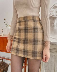 Cute Skirt Outfits, Girly Outfits, Cute Casual Outfits, Pretty Outfits, Stylish Outfits, Tartan Skirt Outfit, Flannel Skirt, Casual Dresses, Grunge Outfits