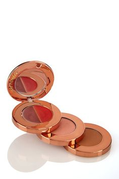 an all-in-one #makeup idea! Bronzer, Blush, Lip Color and More! great for #travel