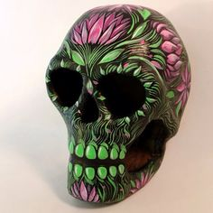 Hand Painted Floral Paper-Mache Skull - by Obake Style (Magen Mitchell) - formerly known as Paper Wasp Memento Mori, Sugar Skull Art, Sugar Skulls, Sugar Skull Painting, Body Painting, Halloween Skull, Diy Halloween, Vintage Halloween, Halloween Makeup