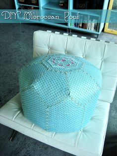 How to sew a soft round ottoman.  Ideas and class (8) (525x700, 639Kb)