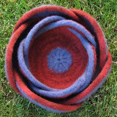 need to knit and felt some moebius bowls sometime - pattern and video tutorial here.