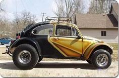 Baja Bugs originated in Southern California in the late as an inexpensive answer to the successful, Volkswagen-based dune buggies of the especially the Meyers Manx. The building of the first Baja Bug is generally credited to Gary Emory. Volkswagen Beetle Vintage, Volkswagon Van, Car Volkswagen, Vw Cars, Vw Baja Bug, Ferdinand Porsche, Vw Super Beetle, Beetle Bug, Offroad