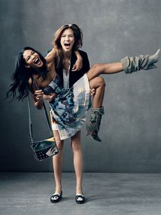 great picture of Karlie Kloss and Chanel Iman goofing around
