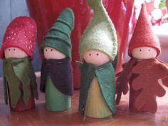 Seasonal peg doll set by LittleWool on Etsy