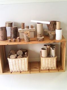 Another great example of utilizing natural and recycled materials in the block center and for loose parts. Stumps are great for building and helps children make connections to nature. Reggio Inspired Classrooms, Reggio Classroom, Preschool Classroom, Reggio Emilia Preschool, Teaching Kindergarten, Play Based Learning, Learning Spaces, Early Learning, Play Spaces