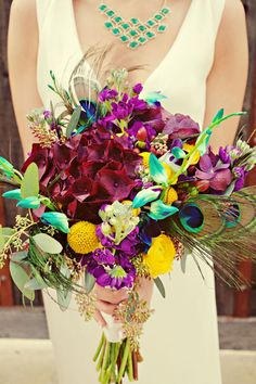 Eff the bouquet (not that it isn't pretty), I want that necklace!
