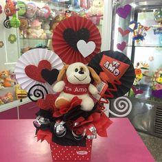 Valentines Day Baskets, Love Valentines, Valentine Ideas, Diy Bouquet, Candy Bouquet, Valentine Decorations, Valentine Crafts, Chocolate Bouquet Diy, Valentine Bouquet