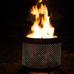 DIY: Fire Pit from an old washing machine drum Easy Fire Pit, Small Fire Pit, Rustic Fire Pits, Metal Fire Pit, Fire Pit Plans, Washing Machine Drum, Washing Machines, Fire Pit Furniture, Rooms Furniture