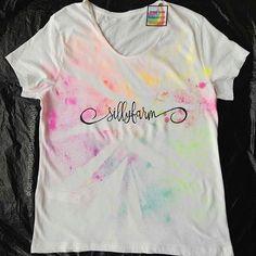 Beautiful #customshirt for @paintmegreen @sillyfarm 😍😍 // Preciosa #camisetapersonalizada para #sillyfarm 🌈 #rainbowgirlbcn #etsy #etsybcn #etsyshop #etsyspain #madeinspain #sillyfarmsupplies #fabaic #tshirt #shirt #camiseta #handpainted #craft #artesania #instafollow #neonpaint #glitter #facepainting #pintadoamano #rainbowgirl #rainbowsplash #rainbow #arcoiris #lovemyjob #Barcelona #ripollet #marketing