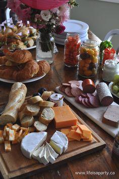 Paris Party, Paris Themed Birthday Party, Birthday Menu, Birthday Dinners, French Dinner Parties, French Themed Parties, Thema Paris, Food Themes, Food Ideas