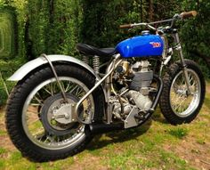 I wouldnt usually feature a motorcycle when I dont have a decent, front-on photograph of it. But in this case I....1957 BSA Gold Star Flat Tracker.....