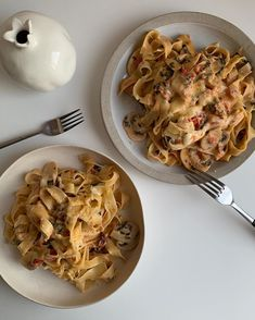 Find images and videos about love, food and cheese on We Heart It - the app to get lost in what you love. Think Food, I Love Food, Good Food, Yummy Food, Food Goals, Aesthetic Food, Cute Food, Food Cravings, Food Pictures