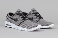Nike Skateboarding's latest Stefan Janoski Max release is built in a woven mesh, which gives it a classic textile feel. The color application is also class