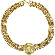 Pre-owned Chanel Vintage Gold Double Strand Chain Medallion Choker ($625) ❤ liked on Polyvore featuring jewelry, necklaces, chain necklace, pendant necklace, gold chain necklace, choker necklace and gold chain pendant