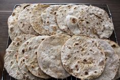 Oldemors potetlomper – josefinesmatgleder Bread Machine Recipes, Bread Recipes, Cooking Recipes, Healthy Recipes, Cooking Tips, Norwegian Food, Scandinavian Food, Our Daily Bread, Foods To Eat