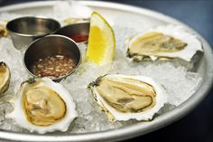 Littlefork: An icy platter of Rocky Nook oysters from New England.