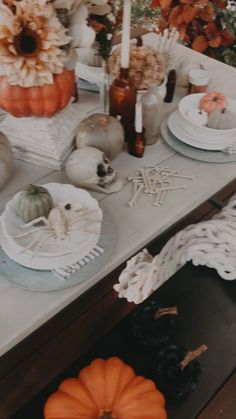 What you need to know to get started for Halloween. Halloween Porch Decor. #halloween #halloweendecor #falldecor