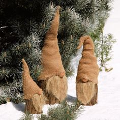A short wood branch peg – a bit of sheepskin . a hat and a q-tip end painted for a nose …. A short wood branch peg – a bit of sheepskin . a hat and a q-tip end painted for a nose …. A short wood branch peg – a bit of sheepskin . Christmas Gnome, Outdoor Christmas, Rustic Christmas, Winter Christmas, All Things Christmas, Christmas Ornaments, Handmade Christmas Decorations, Xmas Decorations, Navidad Diy