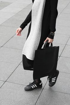 black & white look with midi pleats & adidas sneakers #style #fashion