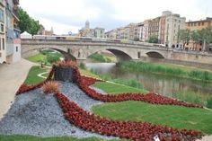 Revivimos Girona Temps de Flors 2013: la ciudad catalana recibió la primavera con flores en sus calles.