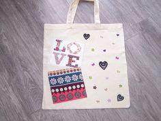 """Tote bag  """"Love"""" pour transporter ses affaires  : Sacs enfants par tout-perso"""