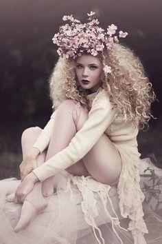 by Amanda Diaz Fantasy Photography, High Fashion Photography, Portrait Photography, Photography Ideas, Portrait Inspiration, Photoshoot Inspiration, Pelo Editorial, Burlesque Vintage, Amanda Diaz