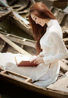 "Traditional Vietnamese Dress ""Ao Dai"" - Imgur"