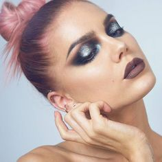 GLITTER!!! More on what I used on my blog 👉 lindahallberg.com #fotd #makeup