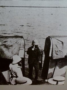 Image: a picture of Dreyfus being released from Devils Island after his exoneration.