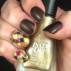Inspired by @lifeisnails! The brown polish is #OPI Espresso Your Style. The base an the accent nails is #ChinaGlaze Choose Your Altitude (quite possibly my favorite new base color). I used a dotting too to fill in the Moroccan stencils from What's Up Nails with OPI's Espresso Your Style, &  An Affair in Red Square, #SallyHansen Go For the Gold & SH XTreme Mello Yellow, and #SinfulColors Bright Lights Pink City. As always, it's topped off with #HKGirl #GlistenandGlow ❤️.