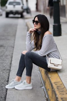 One staple you will always find in my closet, no matter what season? Sneakers! A perfect addition to a comfy and chic look...
