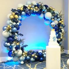 LUXE BALLOON CO 🇬🇧 (@luxe.balloon.co) • Instagram photos and videos Balloon Decorations, Decoration Party, Picture Backdrops, Nov 21, Ornament Wreath, Paper Flowers, Balloons, Wreaths, Pictures