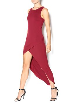 Burgundy hi low dress with a round neckline. This dress is the prefect transition piece from summer to fall. Pair with cute booties or strappy sandals. Knit High Low Dress by Bishop+ Young. Clothing - Dresses - Casual Texas