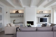 simple fireplace in family room Fireplace Bookshelves, Home Fireplace, Fireplace Design, Simple Fireplace, Modern Fireplace, Fireplaces, Home Living Room, Living Room Decor, Living Spaces